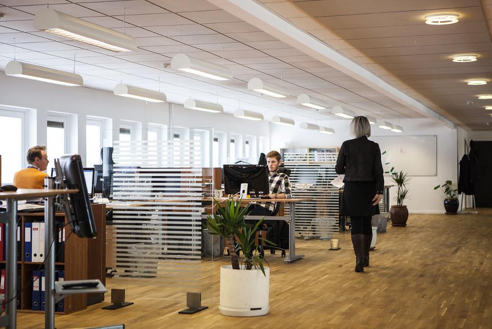 Business Knigge: Die wichtigsten Umgangsformen im Büroalltag