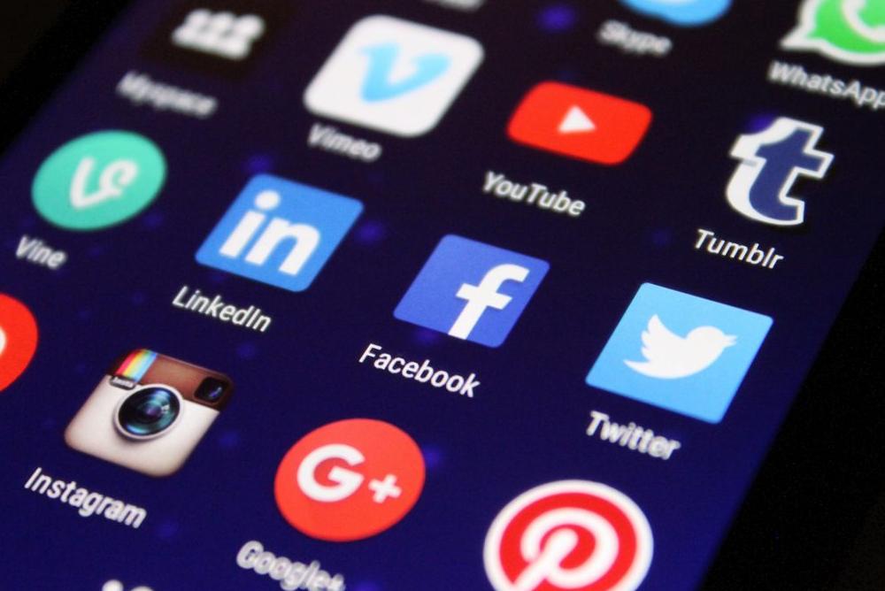 Bewerbung: Wie nutze ich LinkedIn, Xing & Facebook richtig?